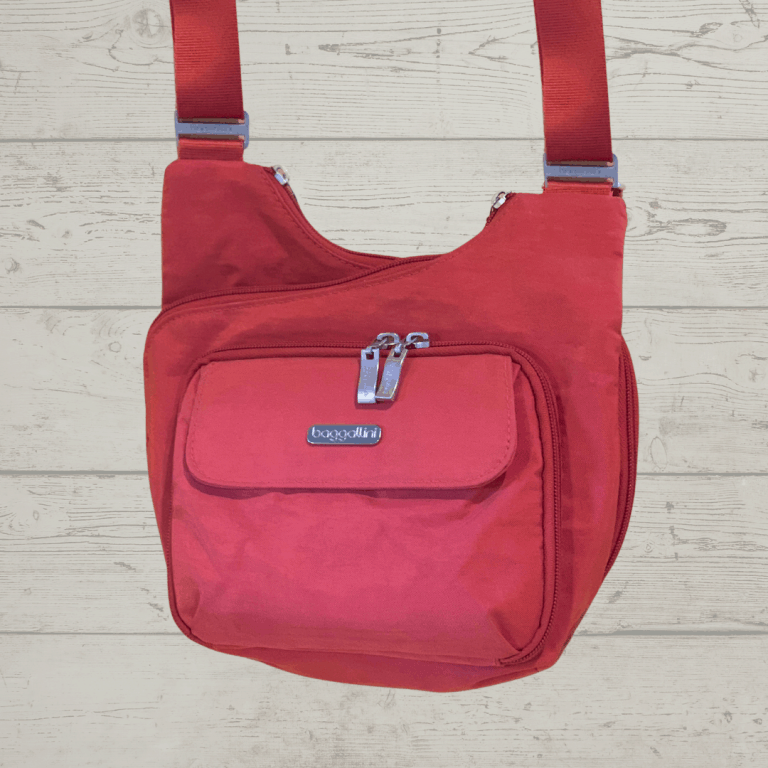 The Baggallini Criss Cross Ultimate Review: One Travel Purse I Actually Use!